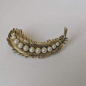 Trifari Marked Gold and Pearl Vintage Pin